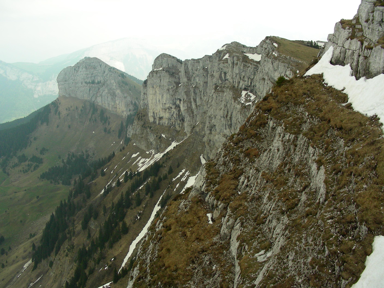 La montagne de sous dine for Distri center la montagne